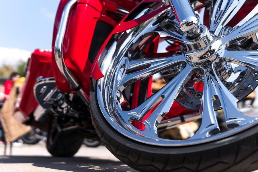 motorrad-nahaufnahme-chrom-chromat