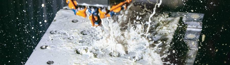 kuehlschmierstoffe-wassermischbar-mineraloelhaltig-biostabilitaet