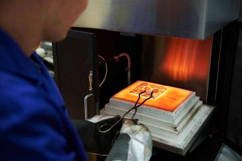 Chemische Reaktion mit hohen Temperaturen